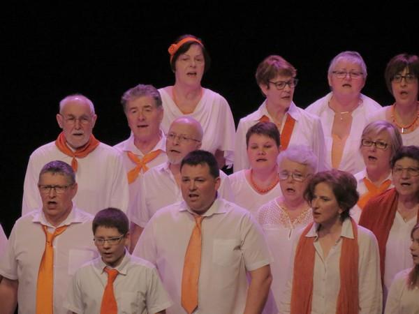Un concert acoustique des Sans Voix au Théâtre Gaston Bernard, présenté par Armande Altaï !