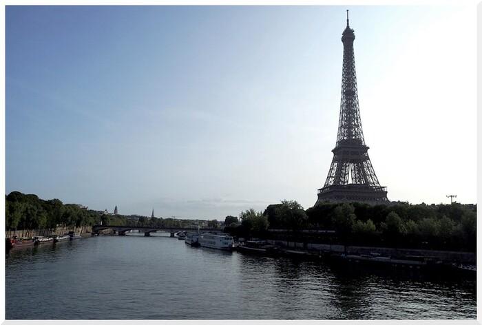 La Seine, la Tour Eiffel.