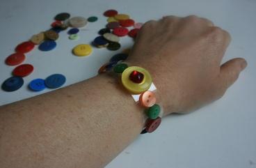 boutons en bracelet et miroir