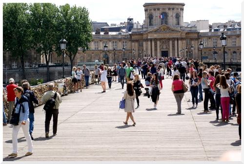 3. Visiter Paris en bus plateforme