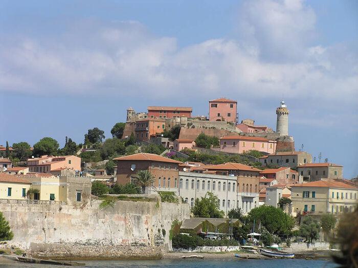 Visite De L'île D'Elbe, La Petite Corse  Par Rafael Pic -  Du Magazine Détours En France -