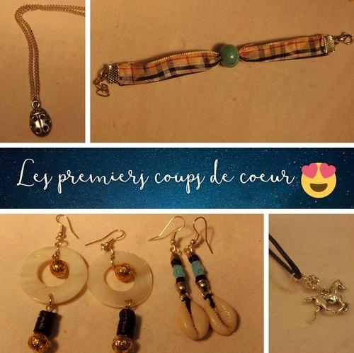 collier coccinelle, bracelet burberry, boucles en nacre et cauri, collier cheval