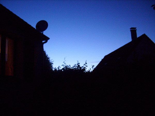 La lune est là, mais où ? - Photo L'Ours Castor