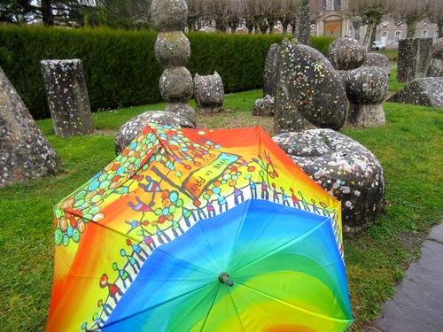 Mosaïque et parapluies ?