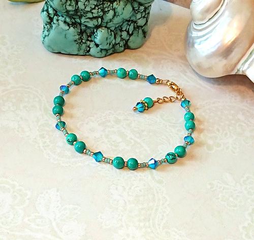 V2 - Bracelet pierre de turquoise et cristal de Swarovski 4mm / acier doré