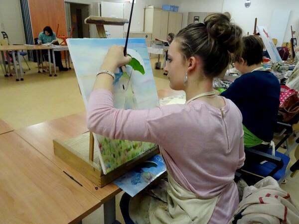"""L'atelier """"Palettes et pinceaux"""" à la MJC Lucie Aubrac de Châtillon sur Seine"""