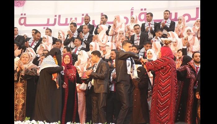 Le Hamas organise une cérémonie de mariage collectif pour 400 palestiniens