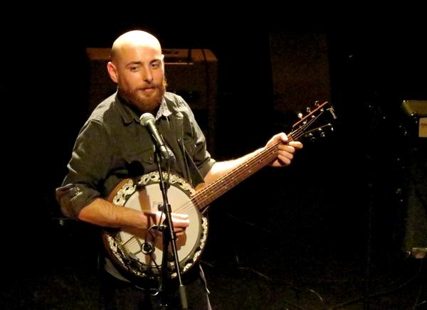 Thomas Schoeffler Jr Band a offert aux Châtillonnais un merveilleux et éblouissant concert de folk-blues !