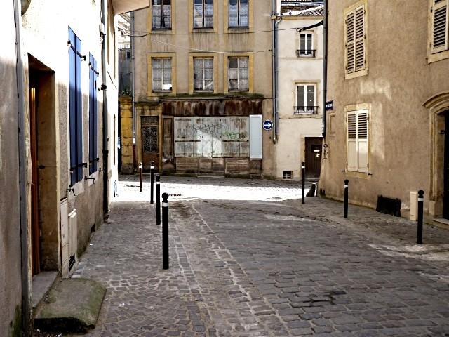 Rue aux Ossons à Metz 2 Marc de Metz 2011