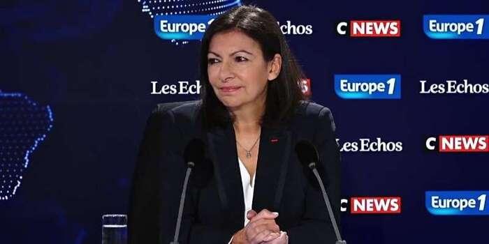 """Anne Hidalgo sur les migrants de porte de la Chapelle : """"C'est une crise humanitaire sans précédent"""""""
