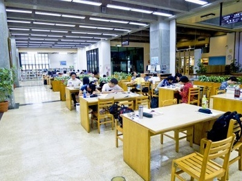 9890679-taipei-taiwan-june-28-many-people-reading-and-studying-at-taipei-city-library-on-june-28-201