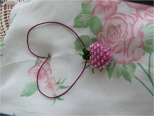 Fraise-coton-et-perles--3-.jpg