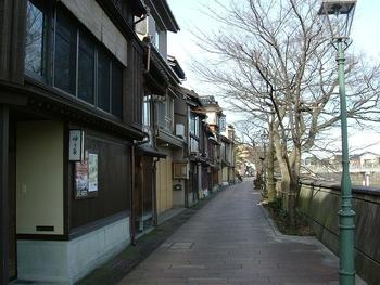 796px-ishikawa_kanazawa_kazuemachi00