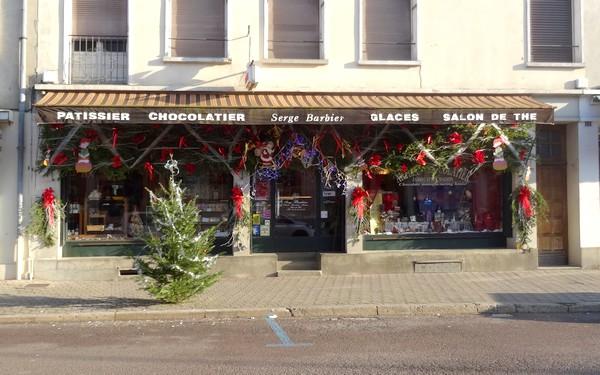 Vitrines de fêtes de jour à Châtillon sur Seine...
