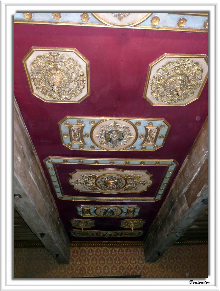 Bourdeilles interieur du château