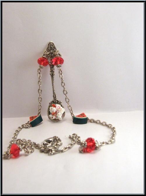 Collier cuillère de chantilly/pastèque et perle cristal rouge
