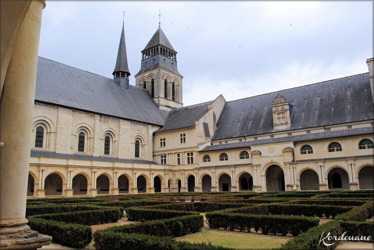 Photos du Cloître de l'Abbaye de Fontevraud