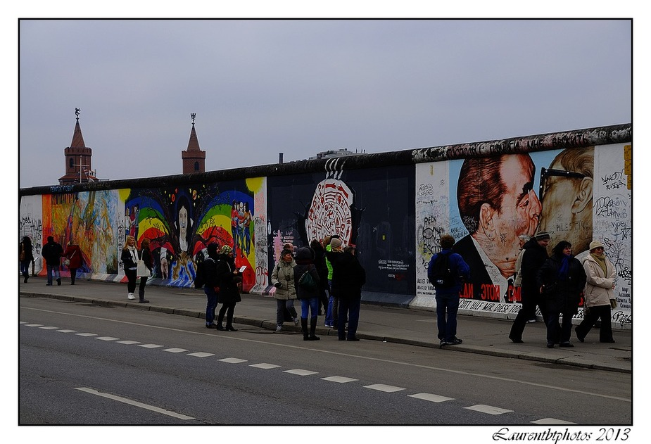 Street art a Berlin east side gallery