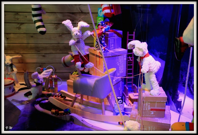 Vitrines de Noël dans les grands magasins
