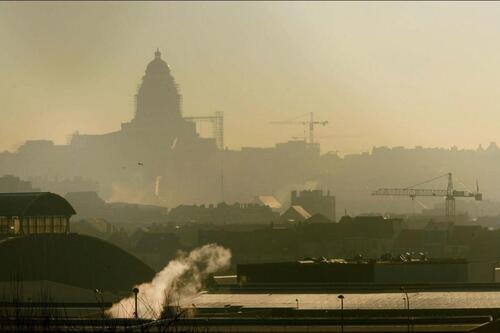 """Pics de pollution à Bruxelles et... règles """"d'urgence"""""""