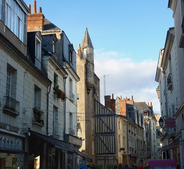 Tours-rue.jpg