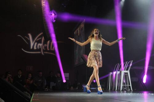 La troupe Violetta lors d'un mini concert