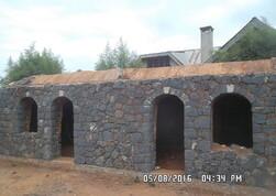 Mur monté, toit fermé