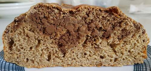 GÂTEAU d'avoine, farine blanche & coco au café & yaourt avec swirls de purée courge au chocolat & café