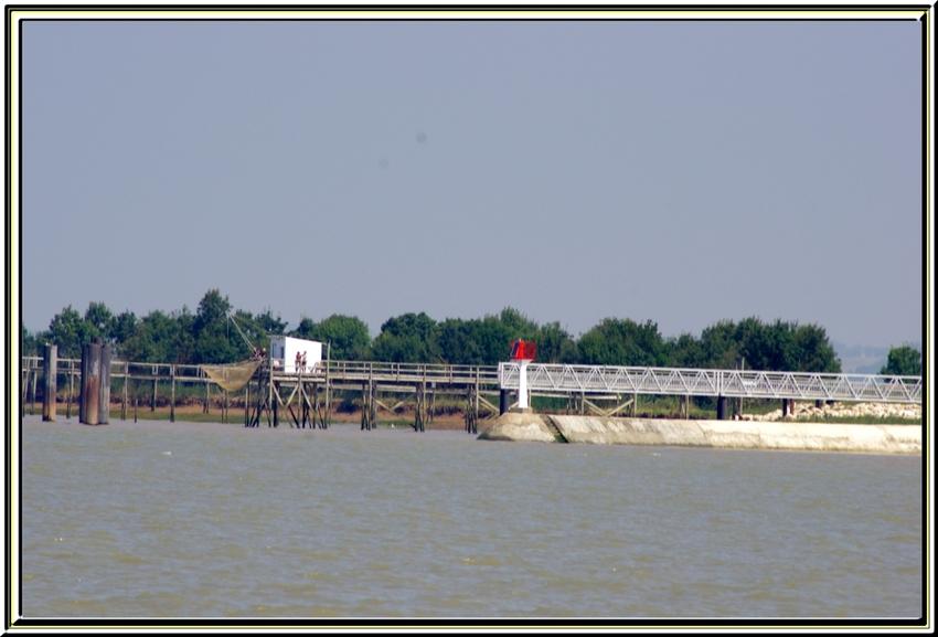 Les carrelets de la rive droite de l'estuaire de la Gironde