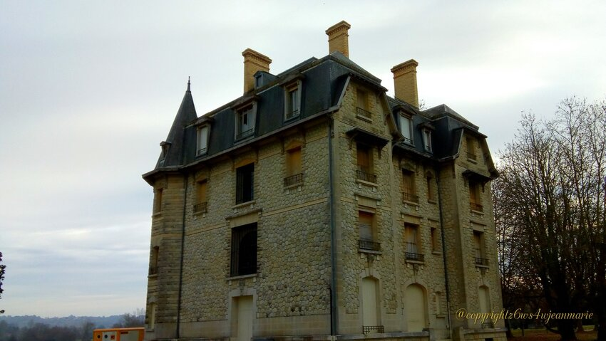 travaux au Parc Chavat a Podensac (Gironde)