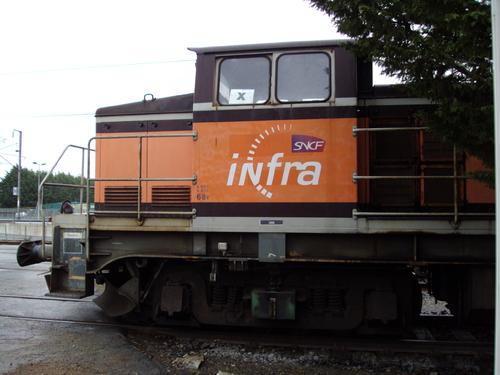 La BB 664621 en livrée Arzens