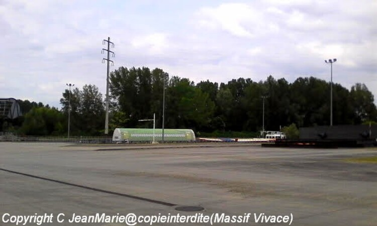 Airbus(photos prise sur la garonne a Langon,prochaine dèpart pour Toulouse le Vendredi 20 Avril 2016 entre 20h et 22h