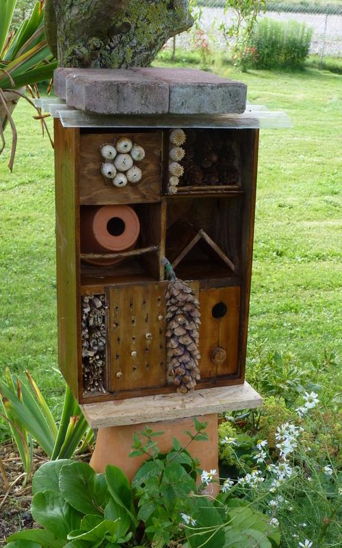une jolie maison pour nos amis les insectes