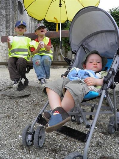 Blog de sylviebernard-art-bouteville : sylviebernard-art-bouteville, Hugo, Mattéo et Nohan - Juillet 2012