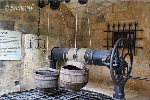 Château de Fénelon Périgord Noir Dordogne mécanisme du puits