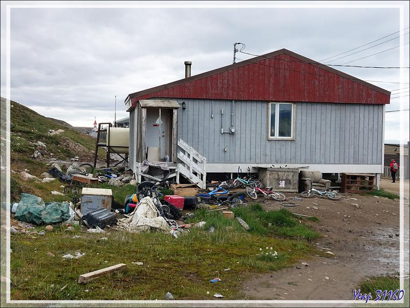 """Dès le débarquement à Pond Inlet, grosse impression de """"n'importe quoi"""" ! - Baffin Island - Nunavut - Canada"""