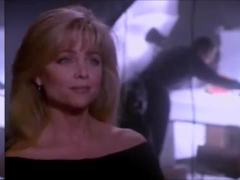 Lisa Harman dans
