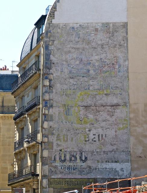 Un mur peint Dubonnet disparu rue de Sèvres à Paris