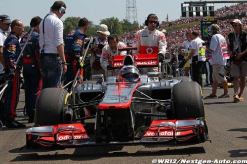 McLaren réfléchi au développement d'un double DRS