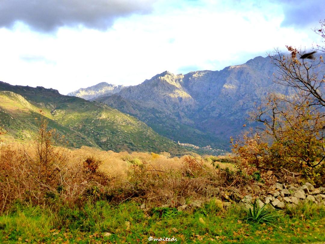 Couleurs de saison en Corse