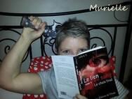 Les lecteurs posent avec mes livres....
