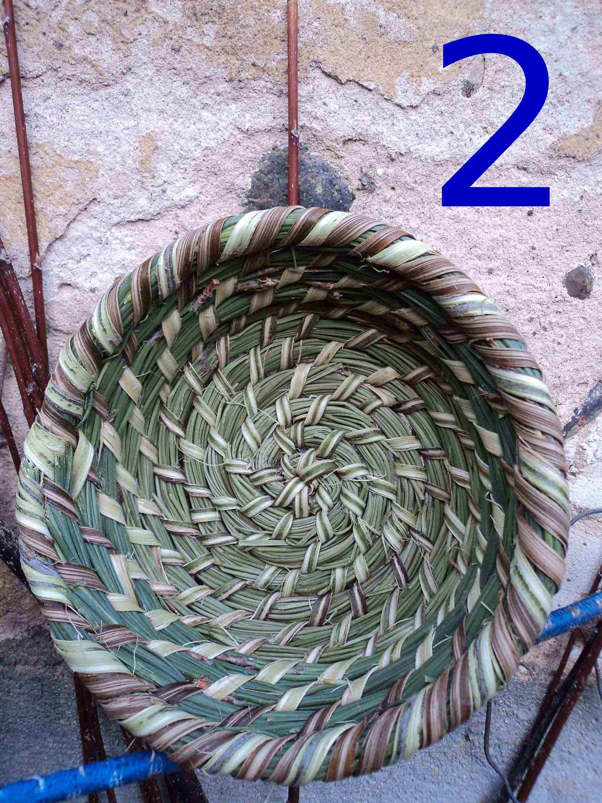 vannerie spiralée : technique de la ruche de paille