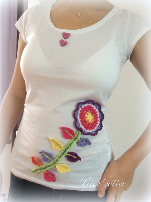 Customisation du T-shirt blanc. Une fleur pour le défi SC n°246 - tuto