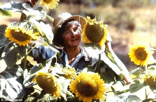 La femme qui vit seule dans la nature depuis plus de 30 ans