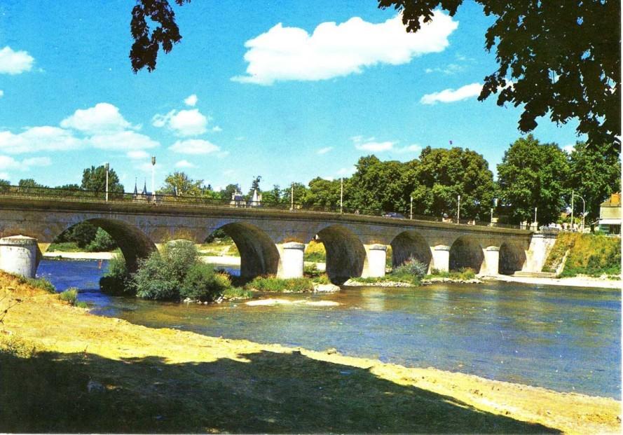 img061 Pont de Saint Florent sur Cher