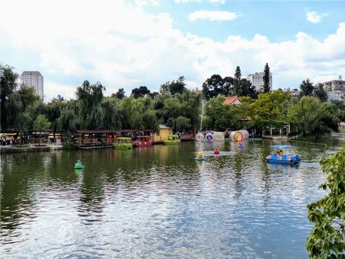 Kunming; suite de la visite du temple bouddhiste Yuantong;