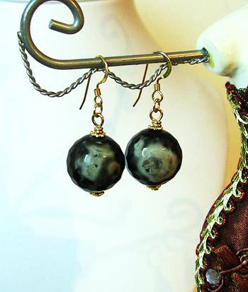 Boucles Agate Noire et Vert argile / Plaqué or 14 Kt Gold Filled