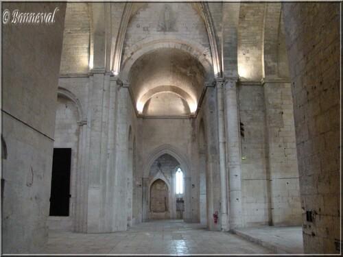 Abbaye de Montmajour Abbatiale Notre-Dame chapelle Notre Dame la Blanche