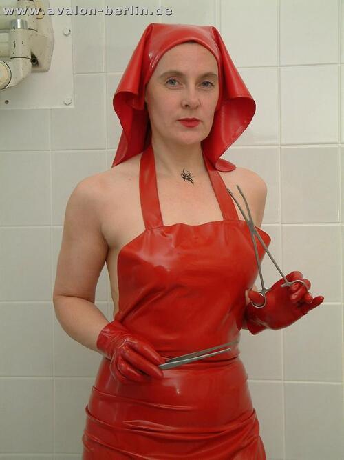 La nurse en rouge