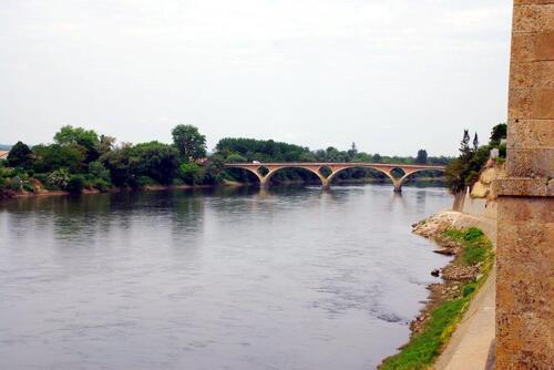 Pont du début du XX jeté sut la Garonne